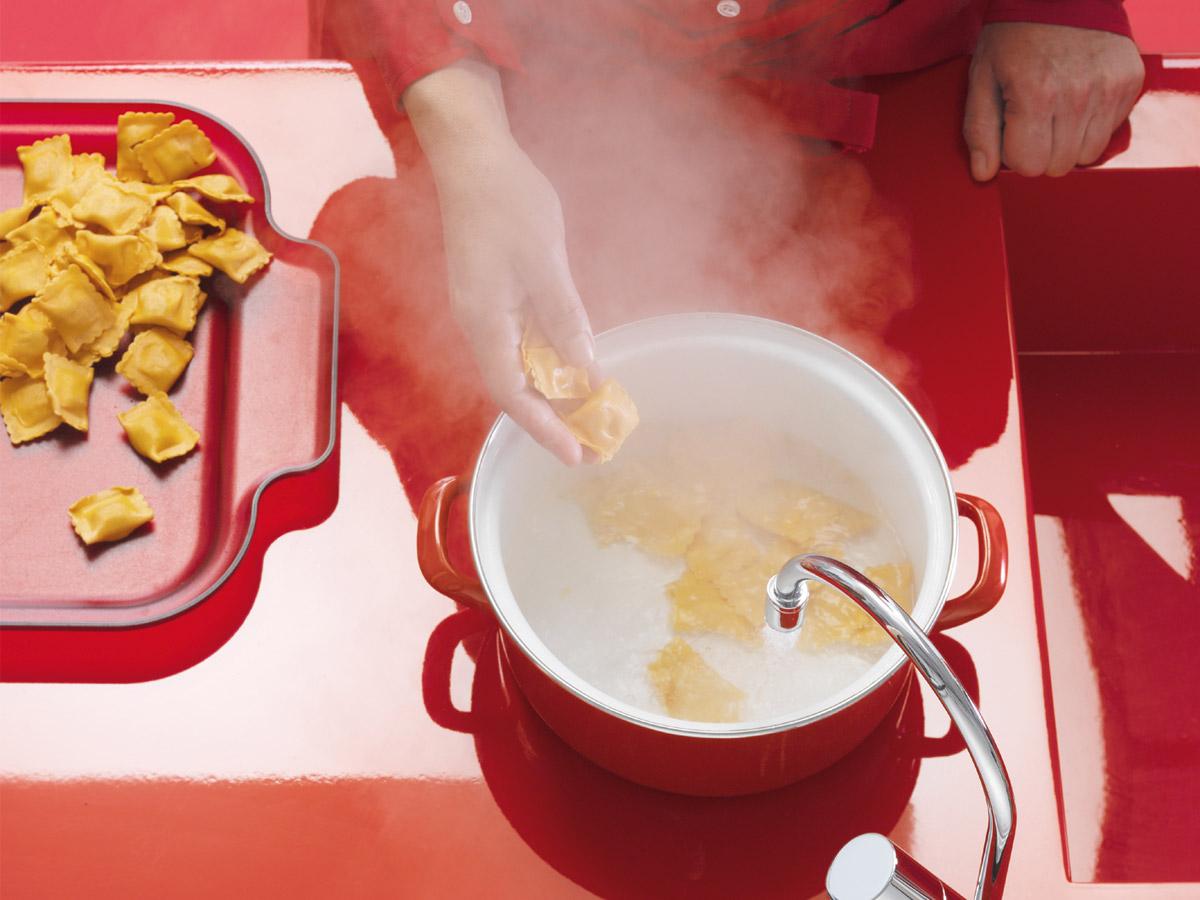 Nudeln, Kartoffeln und Reis kochen