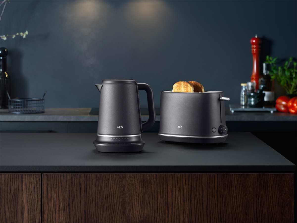 AEG K7-1-6BP Wasserkocher Black Pearl