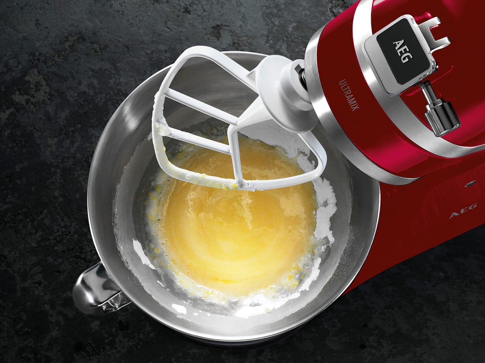 AEG KM54WR UltraMix Küchenmaschine Watermelon Red + AUMPR Nudelroller + AUMPSC Spaghettischneider