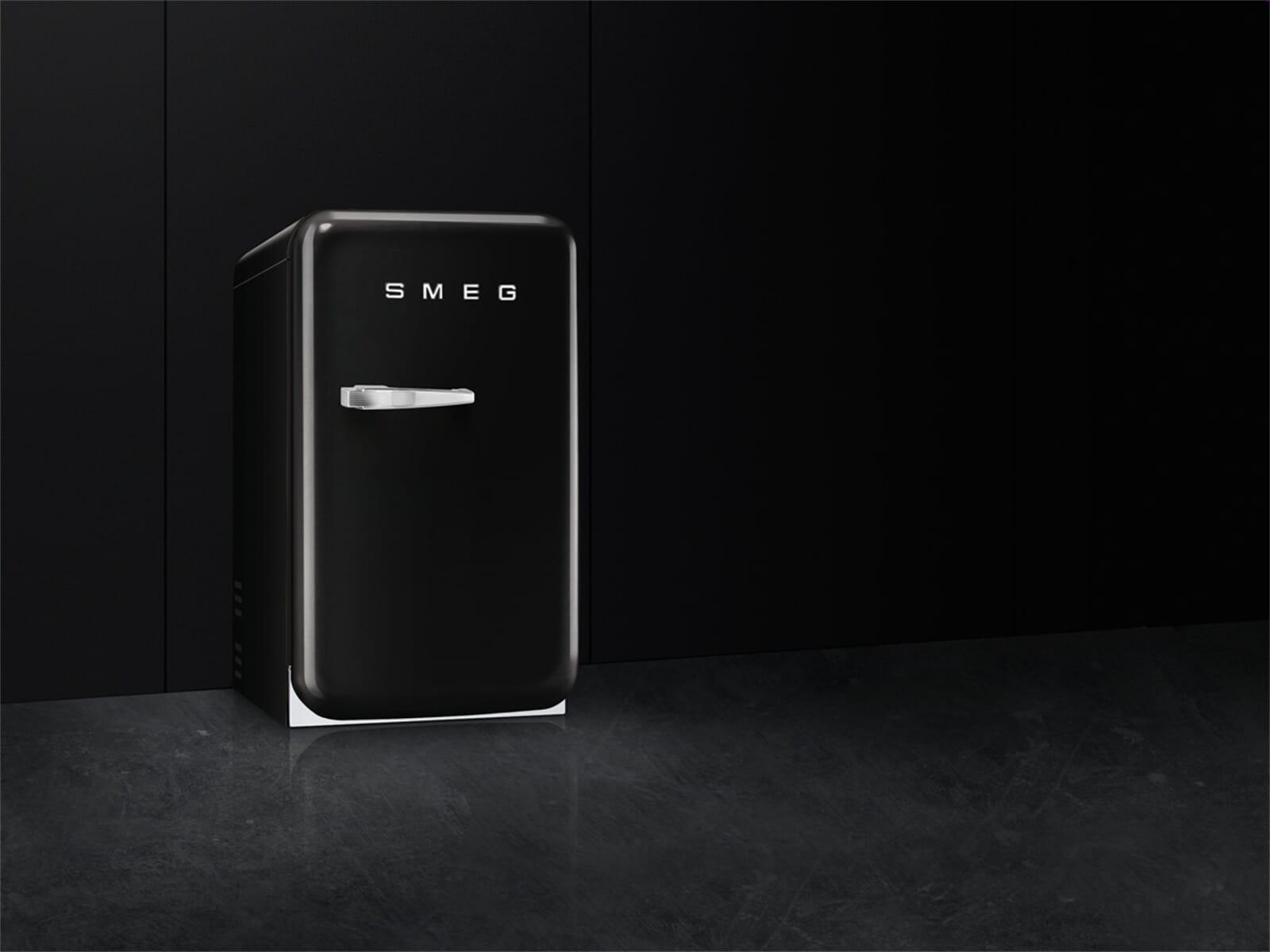 Smeg Kühlschrank Schwarz Gebraucht : Smeg fab5rbl standkühlschrank schwarz