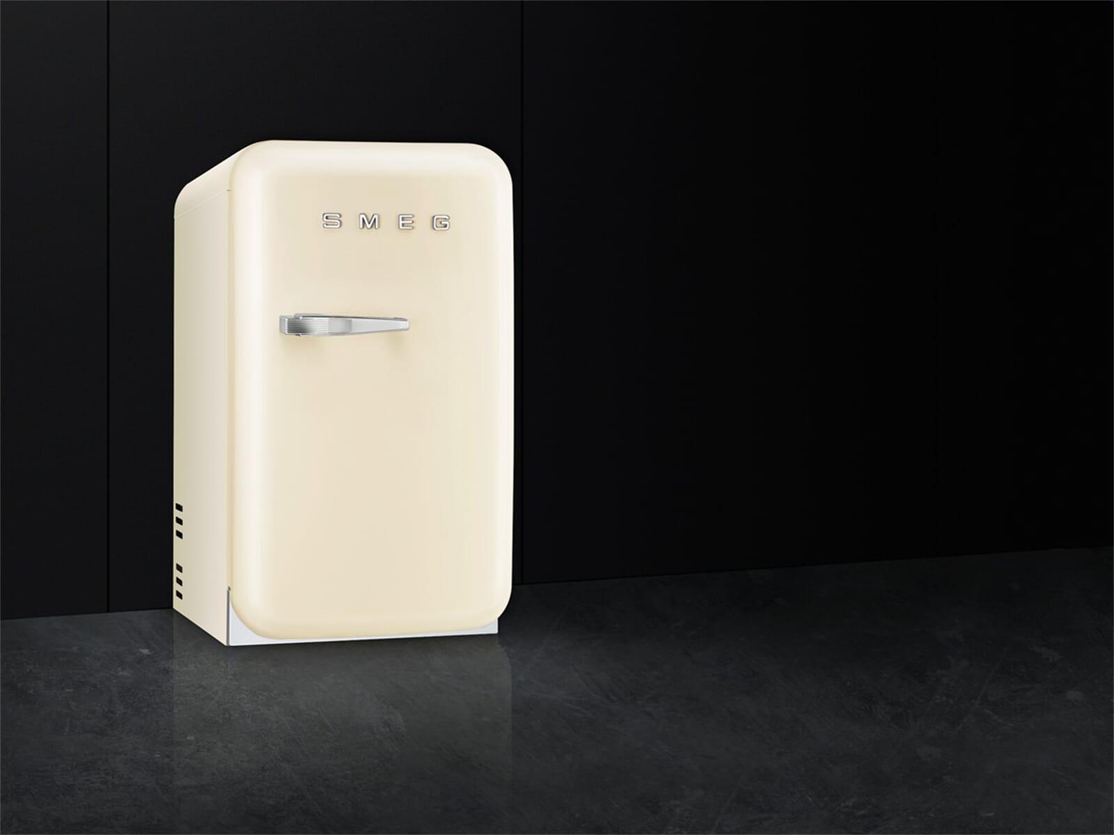 Smeg Minibar Kühlschrank : Smeg fab rcr standkühlschrank creme