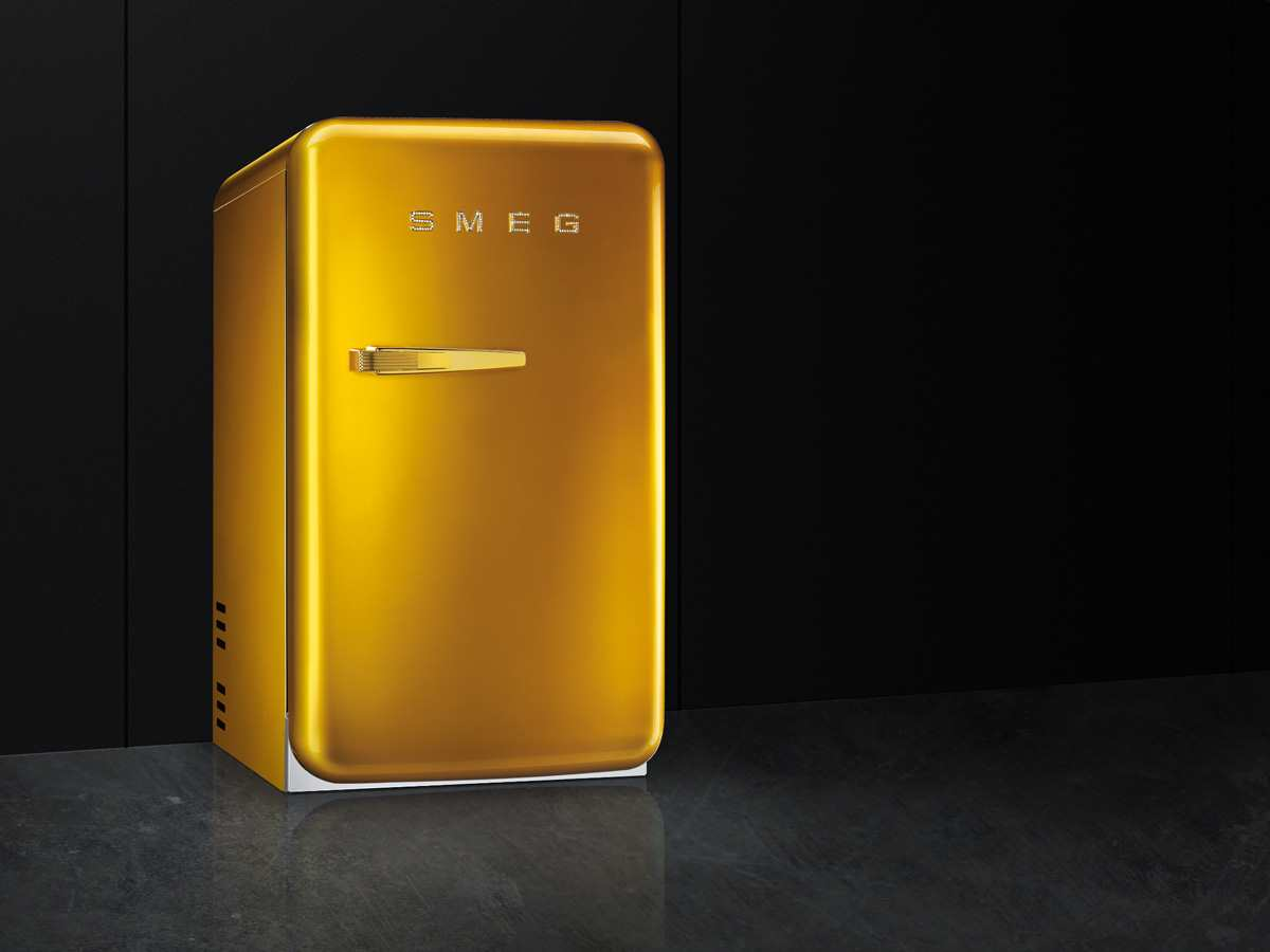 Smeg Kühlschrank Gold : Smeg fab5rgo stand flaschenkühlschrank gold swarowski