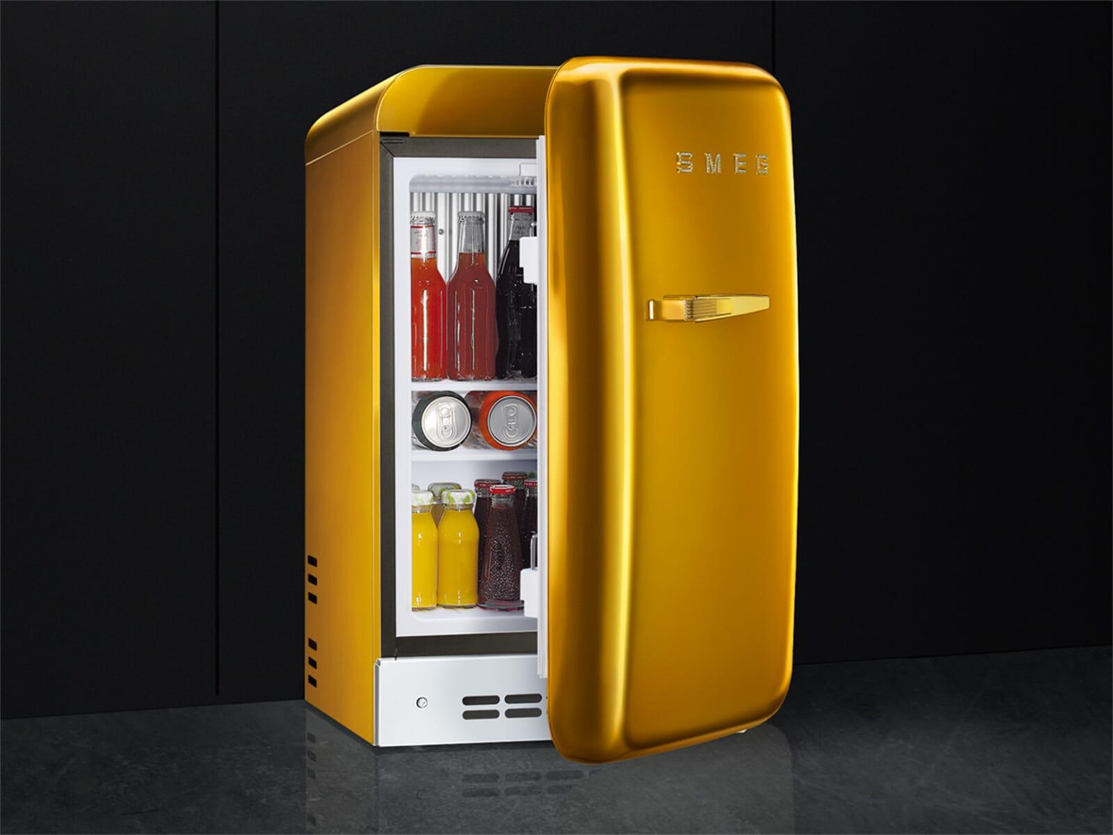Smeg Kühlschrank Schwarz : Smeg fab rgo stand flaschenkühlschrank gold swarowski