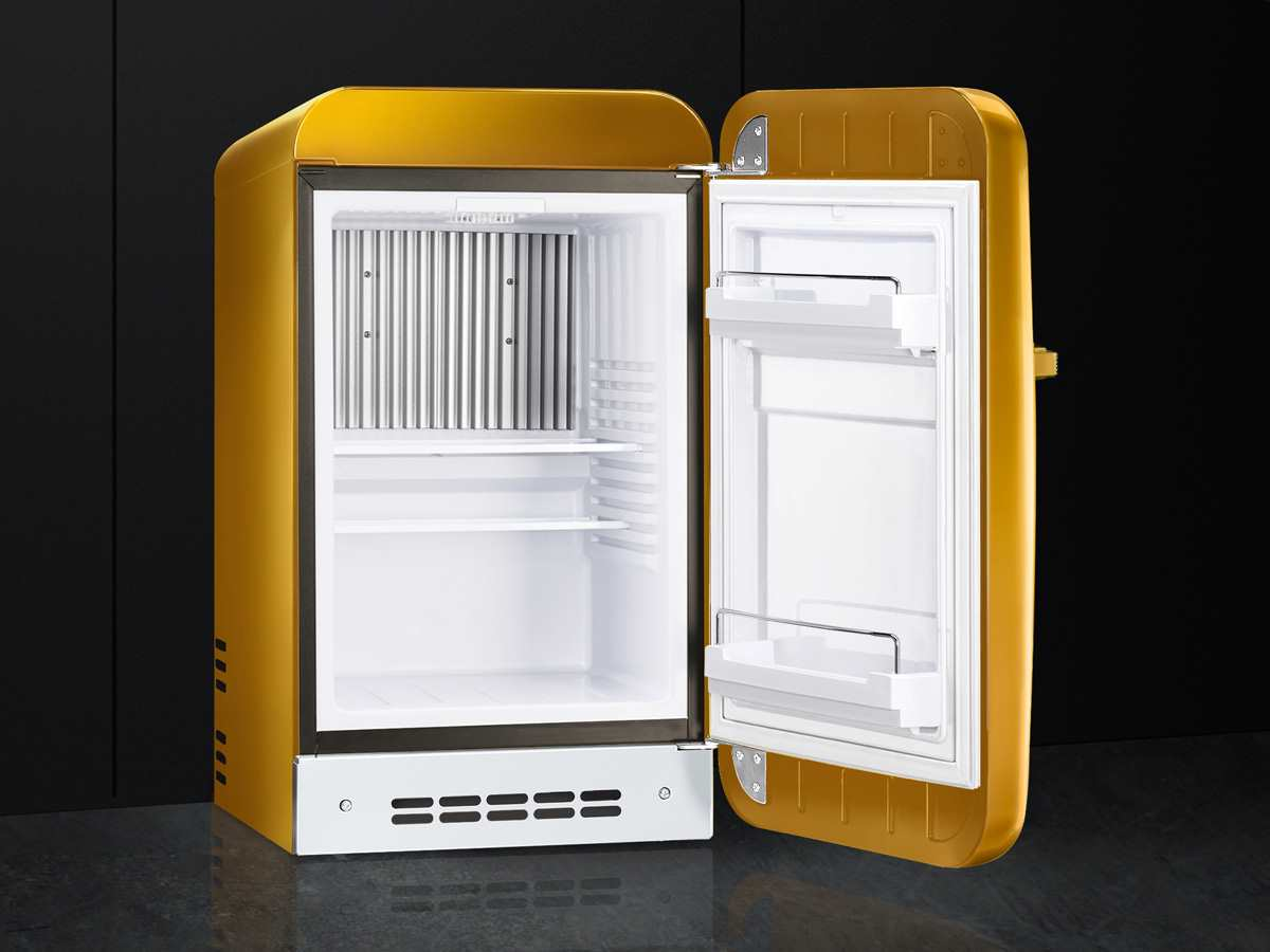 Smeg Kühlschrank Kaufen : Smeg fab5rgo standkühlschrank gold swarowski