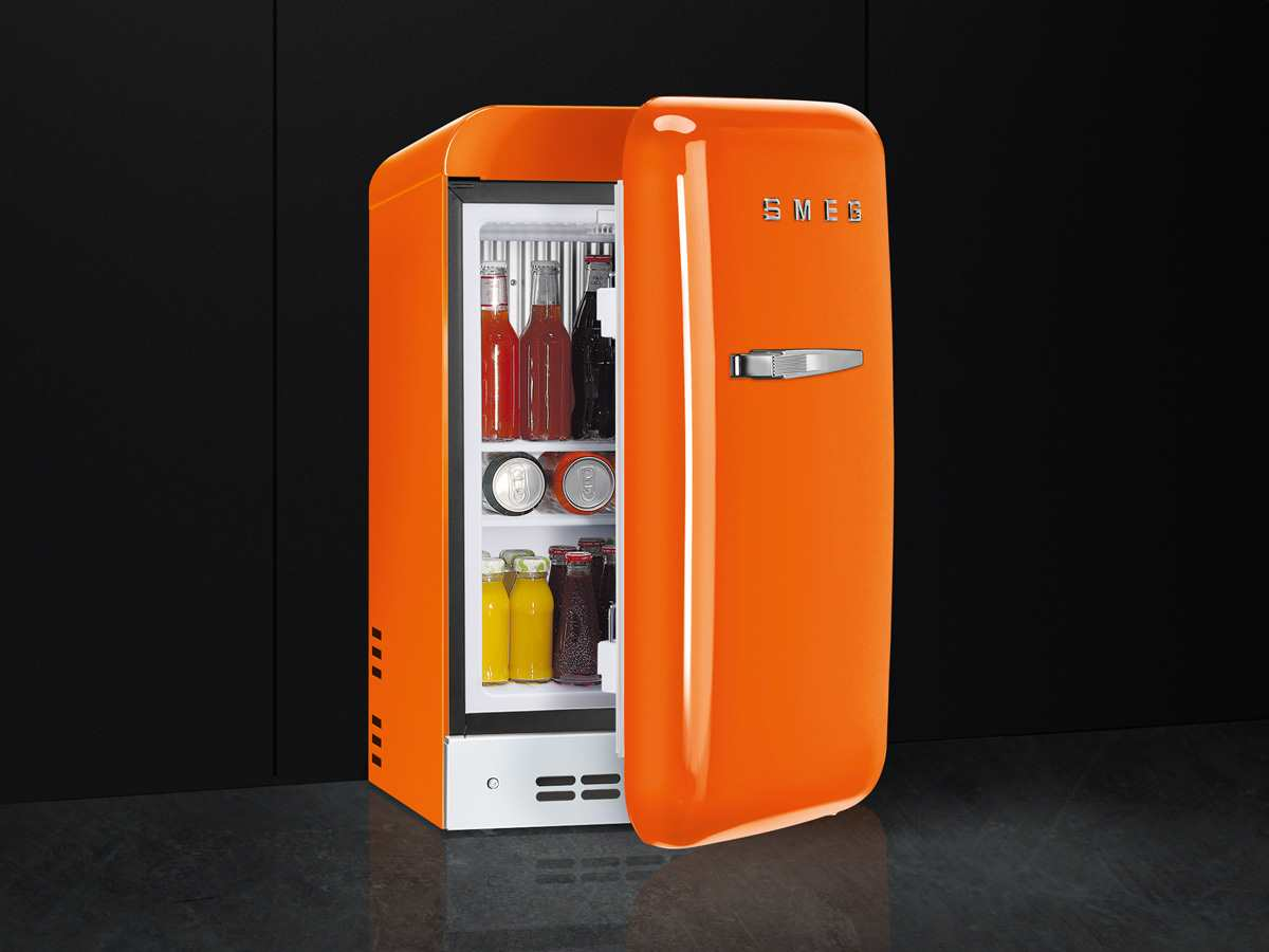 Smeg Kühlschrank Vw : Smeg kühlschrank macht geräusche smeg fab rcr standkühlschrank