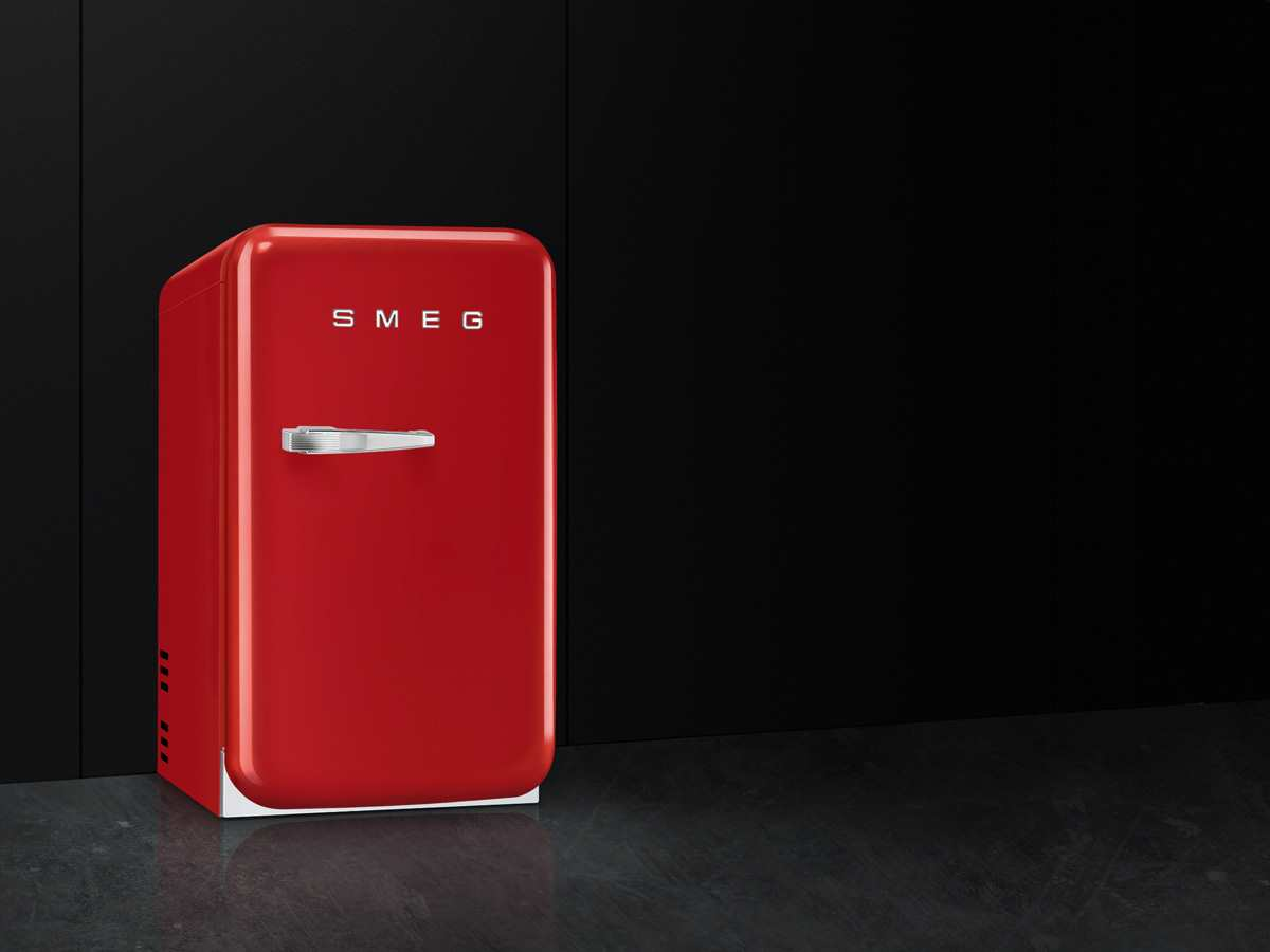 Smeg Kühlschrank Mit Icemaker : Kühlschrank rot magnetfolie din a zum beschriften und
