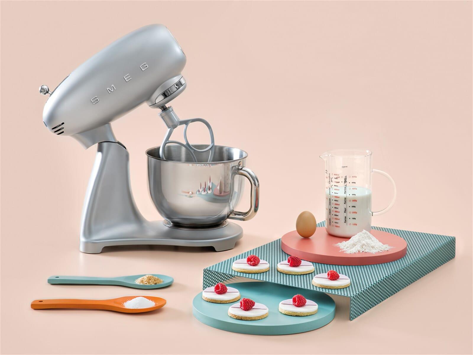 Smeg Küchenmaschine Zubehör : smeg smf01sveu k chenmaschine polarsilber metallic ~ Frokenaadalensverden.com Haus und Dekorationen